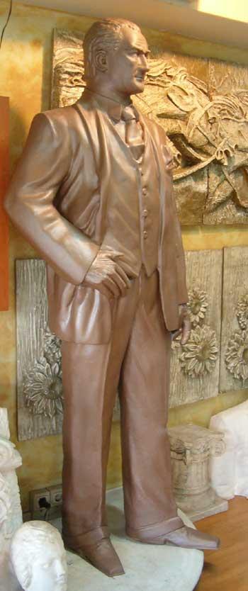 Atatürk HeykeLLeri